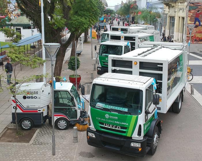 Camiones y Barredoras 2