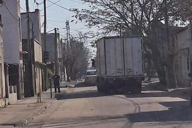 camion atascado falucho zona sur 2