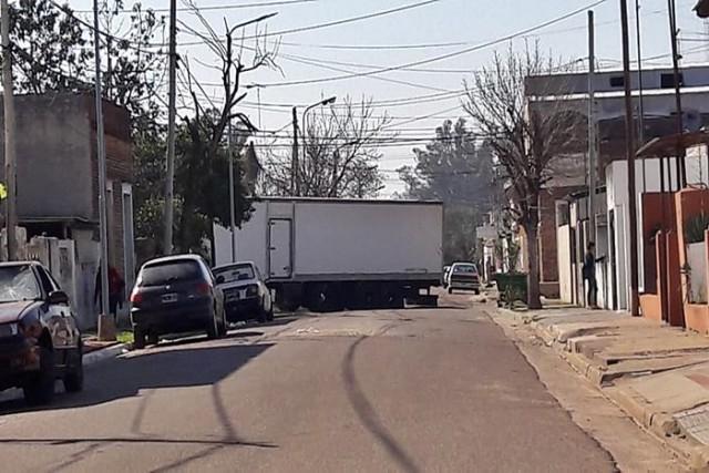 camion atascado falucho zona sur